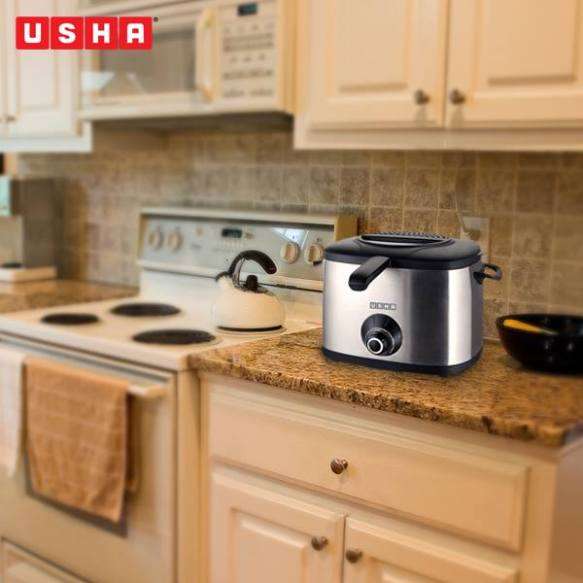 USHA FRYER: Appliances located close will help you watch-over your dishes