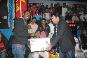 Mr. John of Winning Team receiving the Highest Goal Scorer Prize from Mr. Rajesh Tara, VP-HR